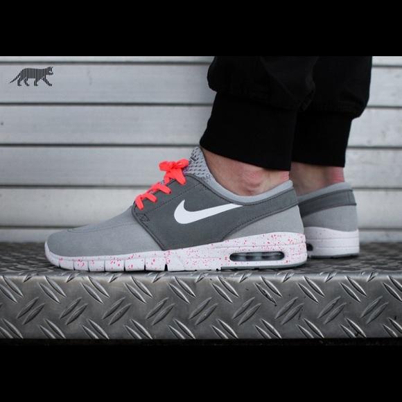 check out 8b4af 9a2d4 Nike SB Stefan Janoski Max L Skateboarding Shoe. M 5ac27b7bd39ca202021d3fc3